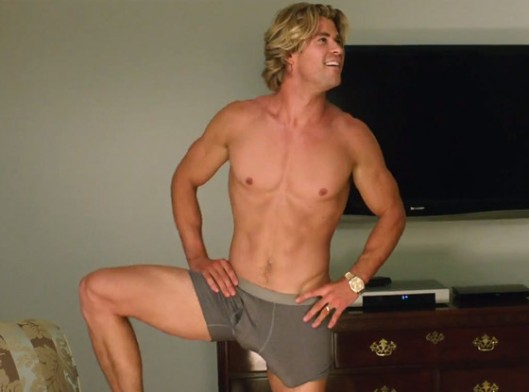 rs_560x415-150507115235-1024_Chris-Hemsworth-Vacation-Penis_jl_050715